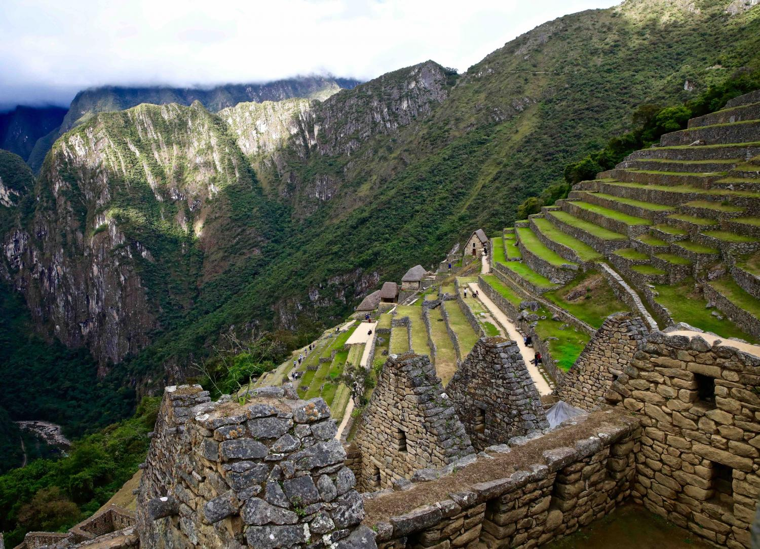 IMAGINE GIANTS ASCENDING AND DESCENDING THESE STEPS -THEY WOULD BE 10-12 FEET TALL MINIMUM! -MACHU PICCHU