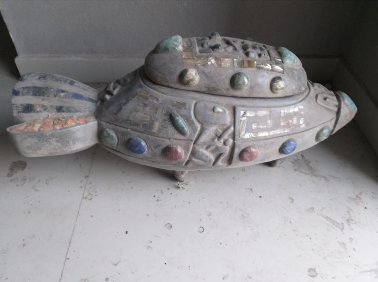 ALIEN SPACE CRAFT FOUND AT  ONE OF THE ALIEN /AZTEC DIG SITES-THE TOP COMES OFF TO REVEAL ALIEN OCCUPANTS-COPYRIGHT GENSIX PRODUCTIONS